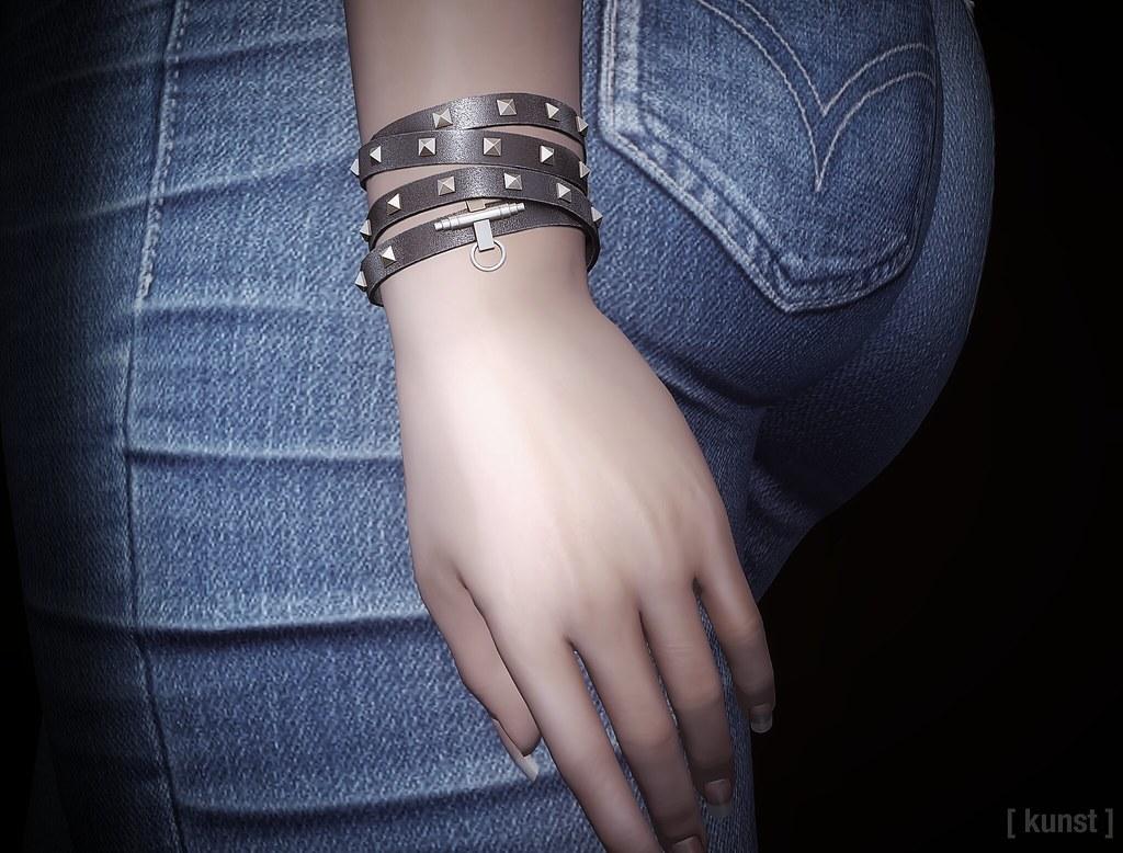 [ kunst ] – Nicole bracelets