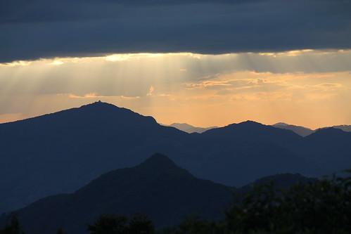 Minas Gerais mountains and the light curtain...