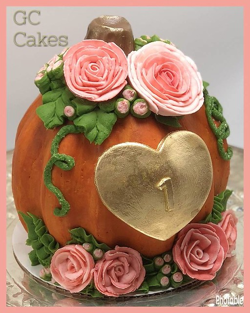 Pumpkin Smash Cake by GC Cakes LLC