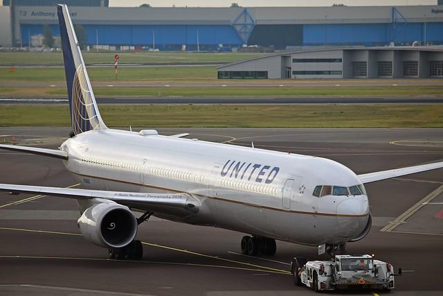 United Airlines N76062 Boeing 767-424ER cn/29457-869