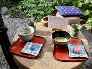 Groene thee en Japanse zoetigheden in Arashiyama