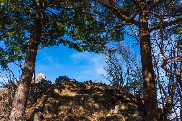 岩場の展望台へ