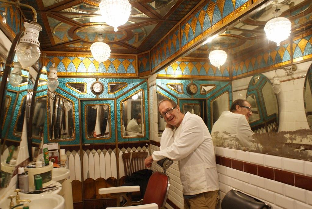 Le Barbier sympa à l'oeuvre chez Giacalone à Gênes.