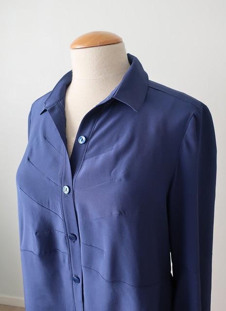 Dart shirt front details