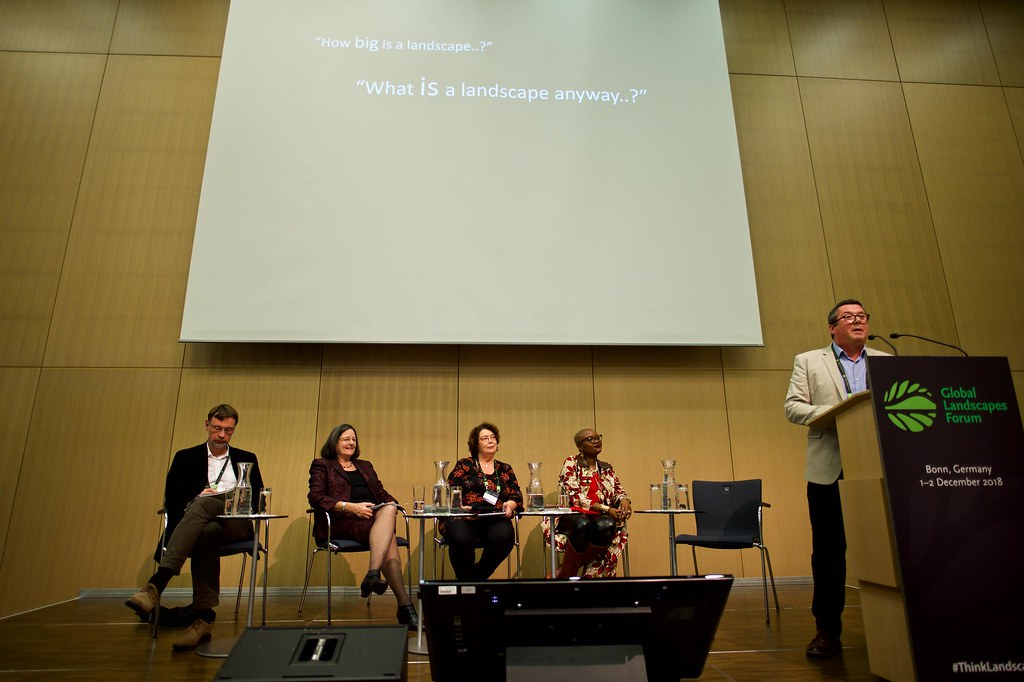 Discussion forum | Speakers of Discussion Forum 17: Looking … | Flickr