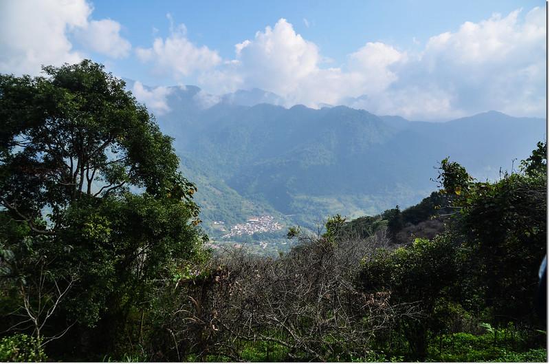 玉打山北峰產道俯瞰納瑪夏達卡努瓦部落