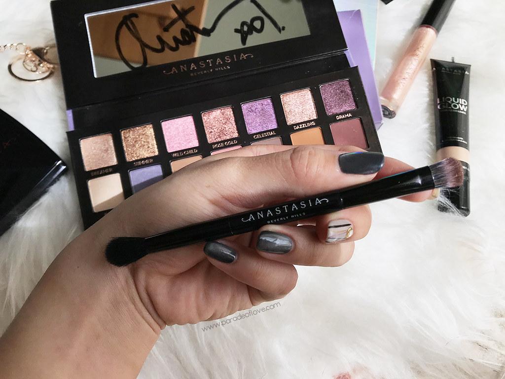 Anastasia-Beverly-Hills_Norvina-Eyeshadow-Palette_04