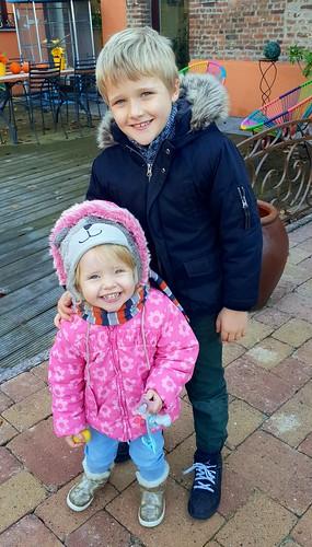 Theo & Lena
