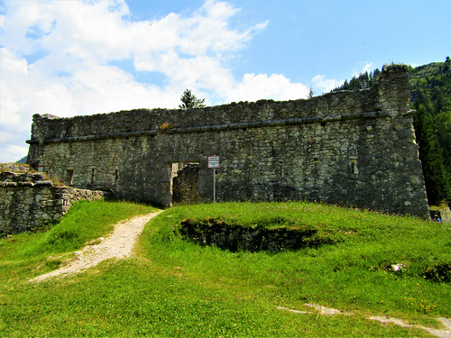 front view of Fort Claudia in Reutte