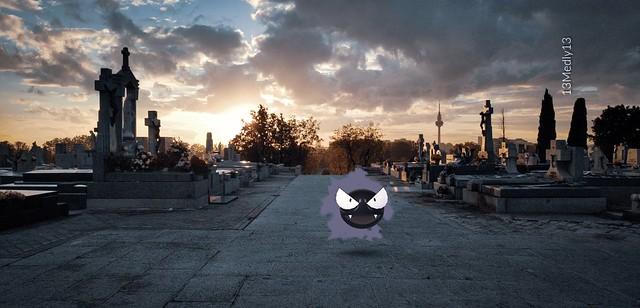 Gastly en el cementerio de la Almudena
