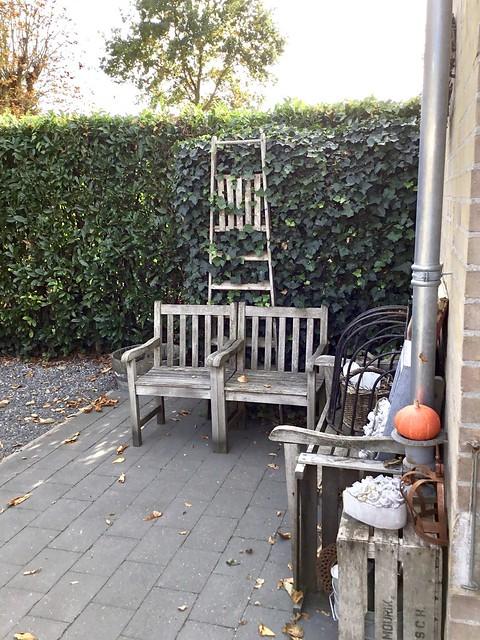 Hardhouten tuinstoelen en tuinbank