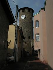 20080516 23648 0906 Jakobus Montbrison Turm Uhr BogenHäuser - Photo of Essertines-en-Châtelneuf