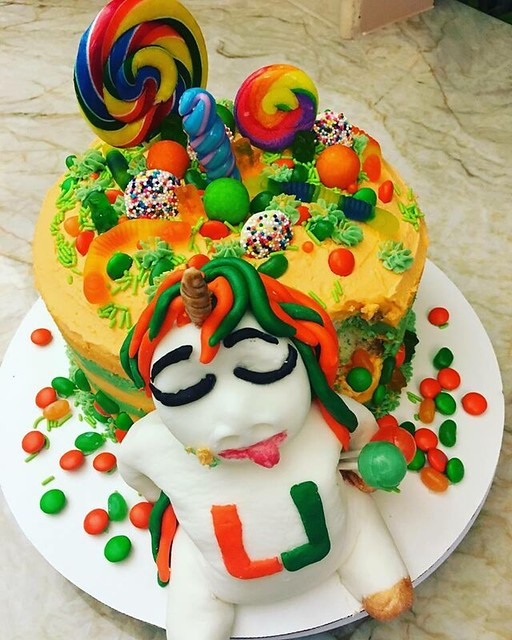 Chubby Unicorn Cake by Katie Cakes