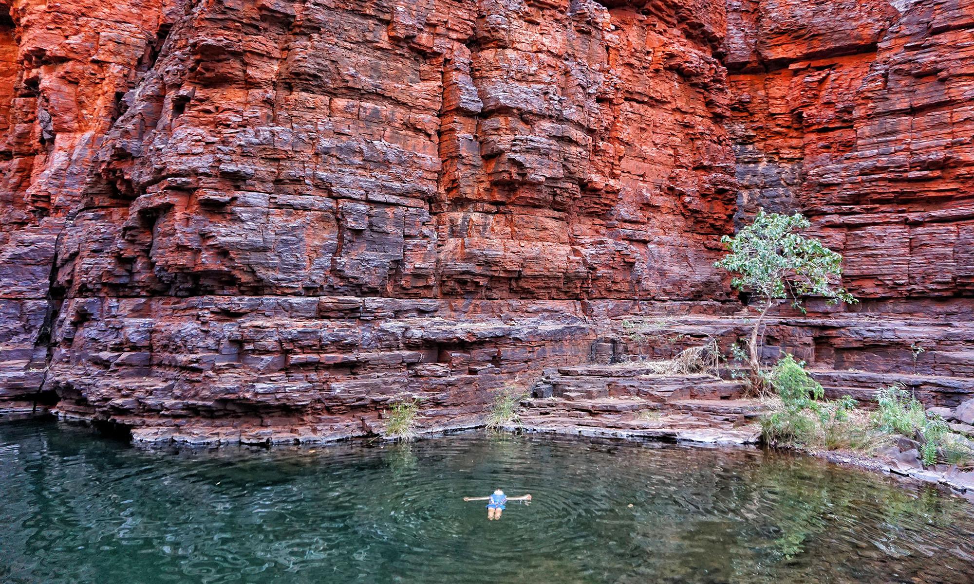 DSC05642-01-01-Knox-Gorge-Swimming