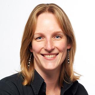 Dr Anneke Lubben