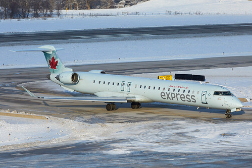 Jazz Aviation (Air Canada Express) · Bombardier CRJ-705 · C-GNJZ (cn 15052, fn 714) · KCMH 01/26/2015