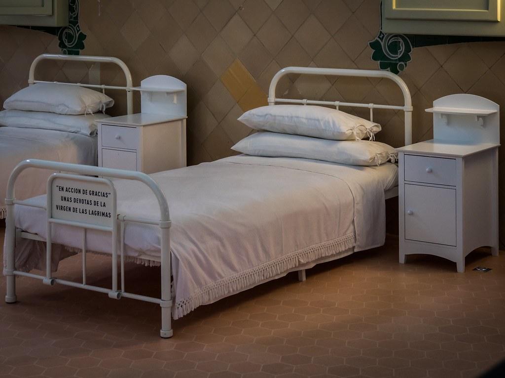 Un lit à Sant Pau... 46011838422_e093a8758f_b