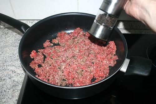02 - Mit Salz & Pfeffer würzen / Season with salt & pepper