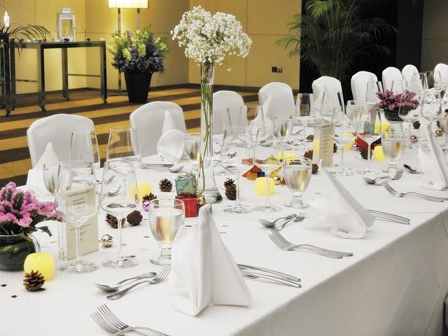 Element Restaurant Festive Banquet Setting