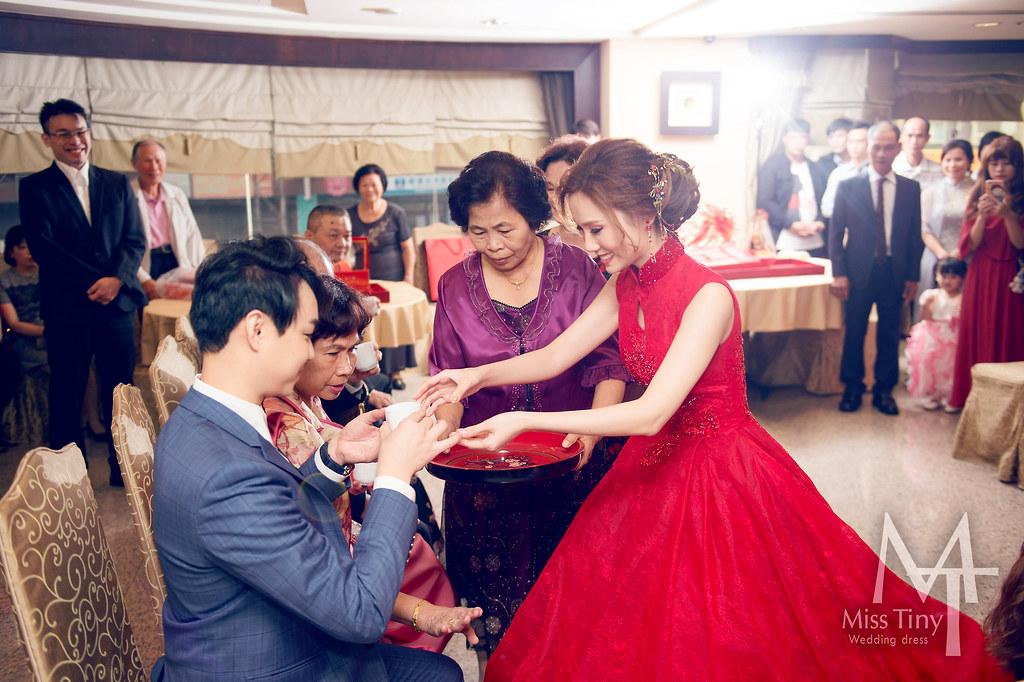 """""""中式旗袍婚紗,儀式禮服,訂婚儀式"""""""