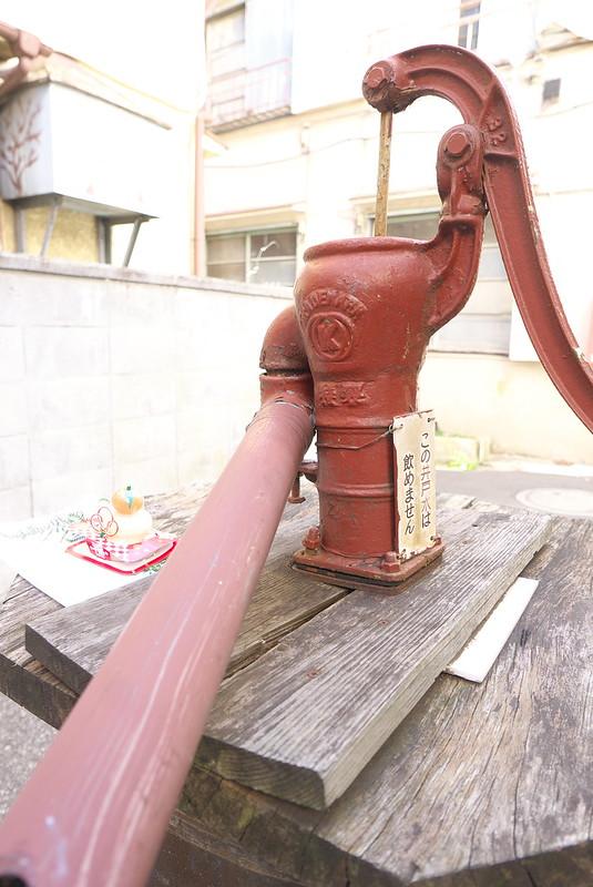 荒川1丁目の井戸ポンプ