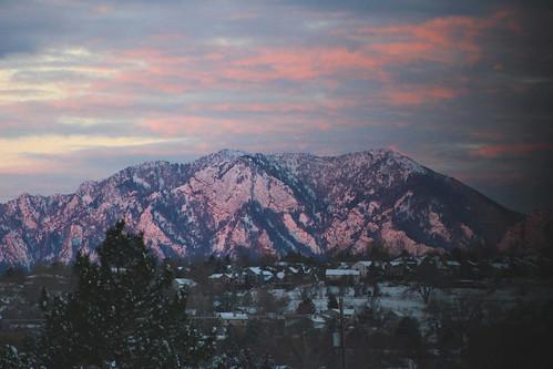 dawn earlymorning flatirons