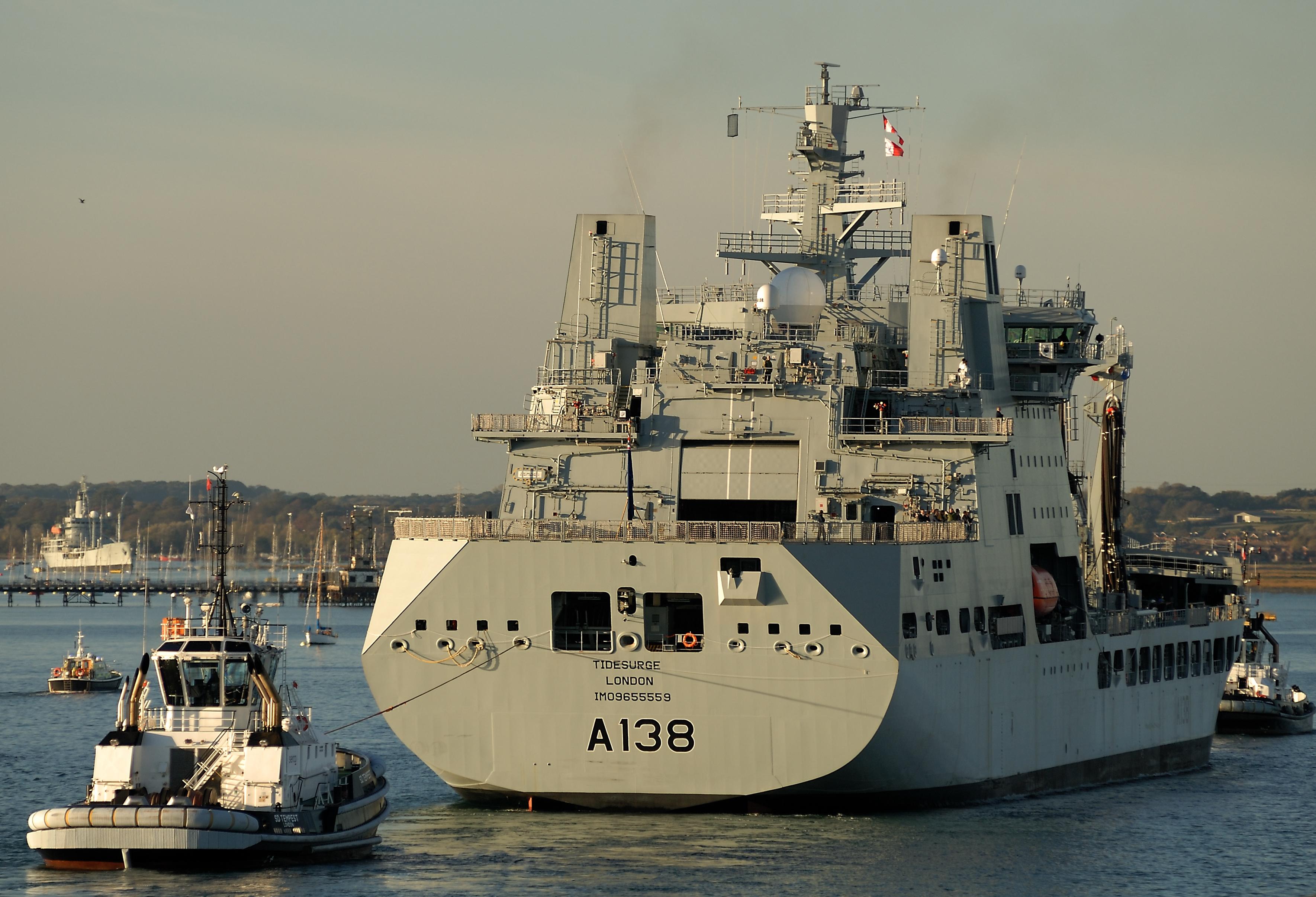 RFA : Royal Fleet Auxiliary - Page 6 45189131525_2148074ccc_o