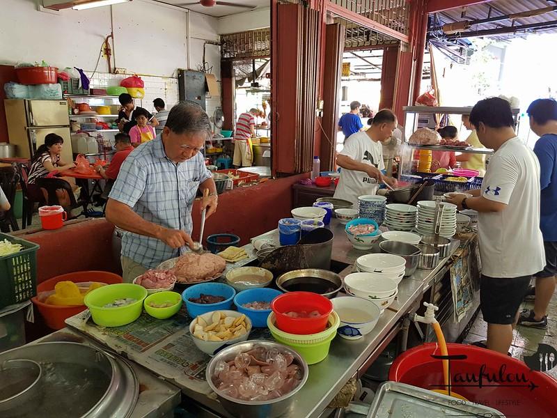 Seafood Pork Noodles (6)
