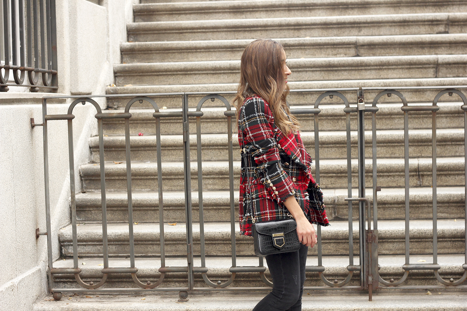 Tartan blazer black outfit heels givenchy bag street style fall outfit 20184085