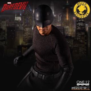 MEZCO ONE:12 COLLECTIVE 系列《夜魔俠》夜魔俠 - 私刑者版本 Daredevil - Vigilante Edition 1/12 比例人偶作品【MEZCO官網限定】