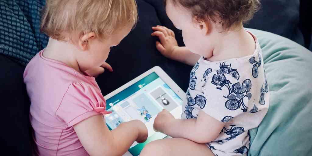 Les écrans ne perturbent pas le sommeil des enfants