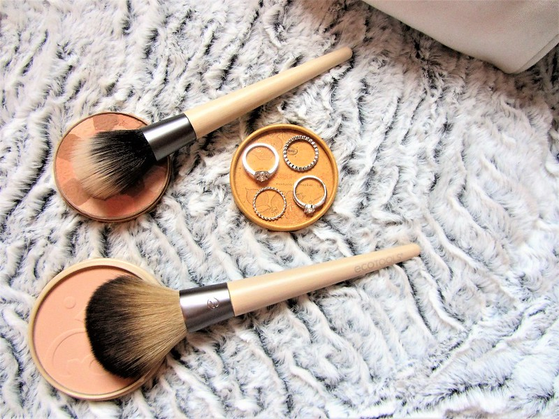 france-maia-pinceaux-maquillage-eco-tools-thecityandbeauty.wordpress.com-blog-beaute-femme-thecityandbeauty.wordpress.com-blog-beaute-femme-IMG_1518 (3)