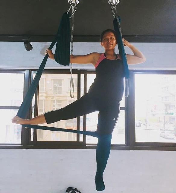 20181113 第702堂課 瑜伽輪 第703堂課 空中瑜伽 #有運動沒在怕的 #運動使人開心 #40歲以後找回自己 #喜歡自己拍自己