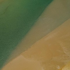 The always moving sand banks are endlessly changing canvas of compositions. This is an #aerial #abstract of some cool #tide lines I found over home beach on #stradbrokeisland shot with the #mavic2Pro #straddieis #redlandanyday #saltlife #staysalty #sealif