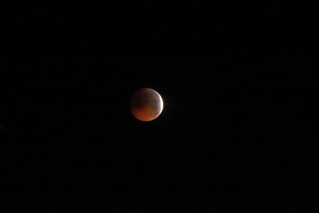 L' clipse de lune, Canon EOS 6D MARK II, Canon EF 70-200mm f/4L IS + 1.4x