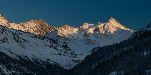 Fin de journée sur le fond du Val d'Anniviers (Switzerland)