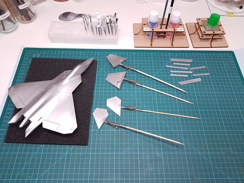 Academy 1/72 F-22A Air Dominance Fighter - Sida 5 44526368430_424ca65ee5_c