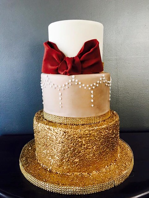 Cake by Divine Cakes