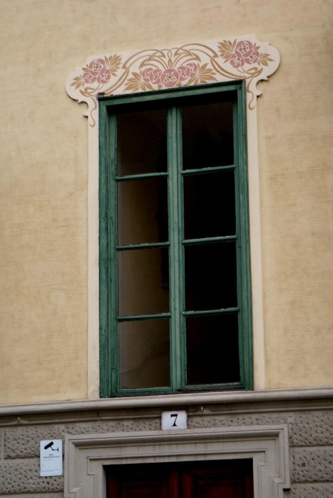 Détails floraux du quartier de Borgo Po à Turin.