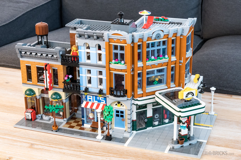 Review Lego 10264 Modular Corner Garage 10260 Full Review Flickr
