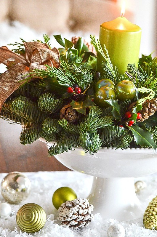 1the-easiest-christmas-centerpiece-3