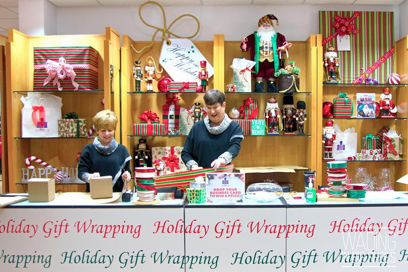 Holiday Headquarters At The GMRENCEN Encourages Detroiters To Shop Local | via Wading in Big Shoes