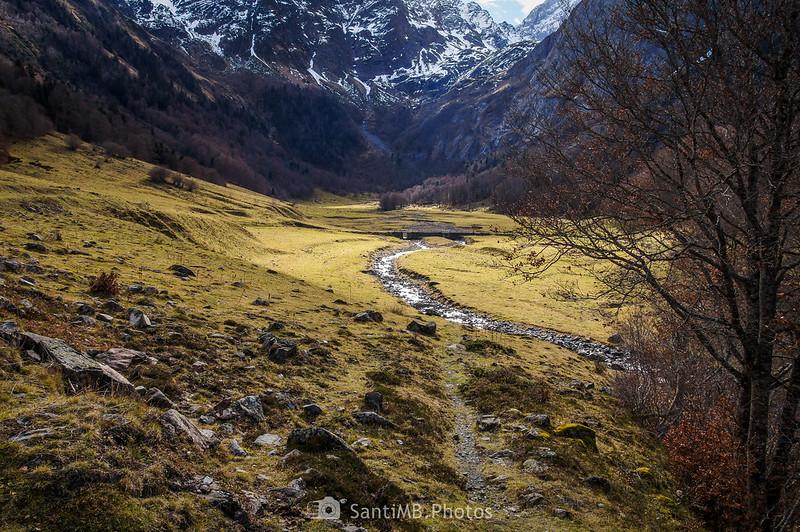 El río Joèu desde la puerta del camino a los Uelhs deth Joèu