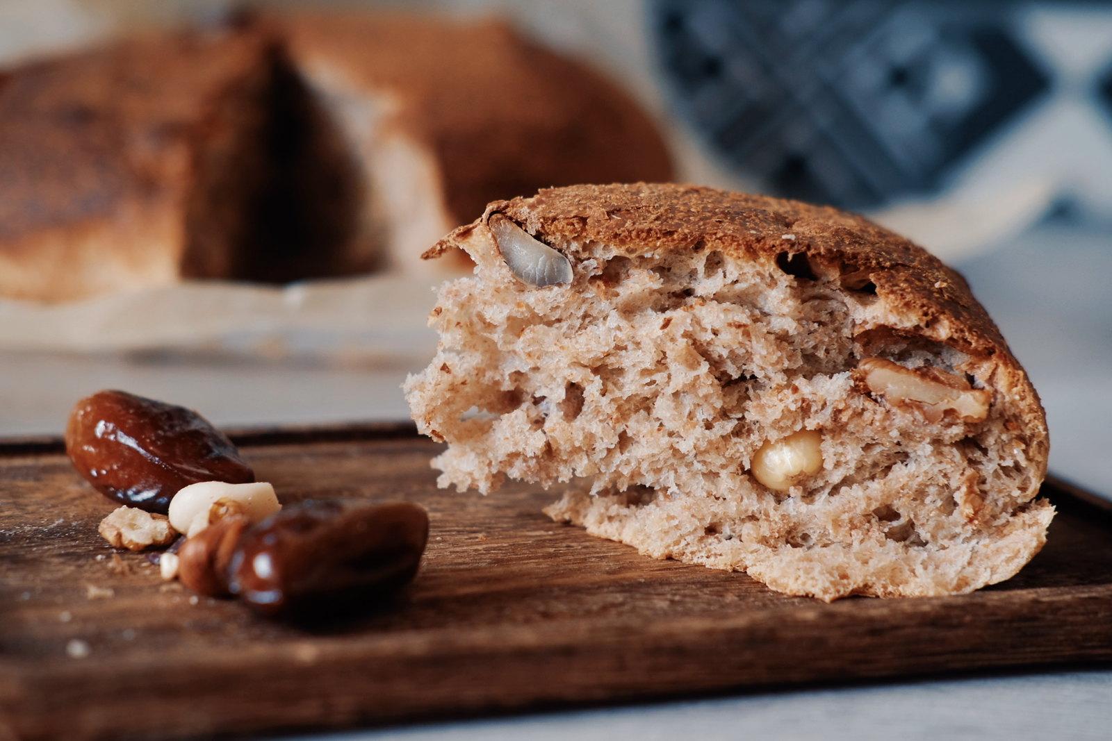 Pain complet maison au mélange de noix