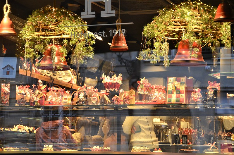 Restaurant Christmas Window 18.11.2018