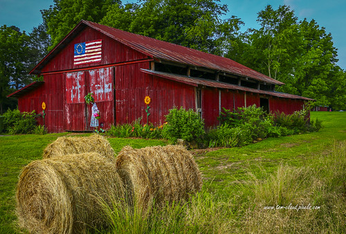 barn hay bale bales haybales red redbarn farm rural country outdoors flag americanflag americana trees grass nature andres northcarolina landscape