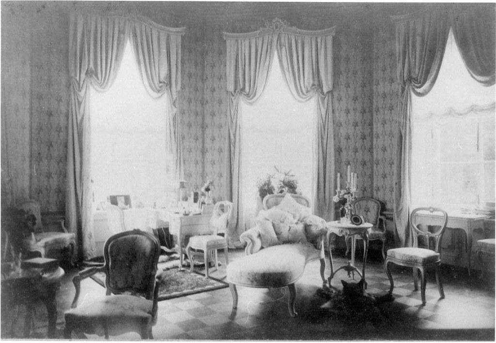 Усадьба «Гостилицы». Интерьеры дворца (1)
