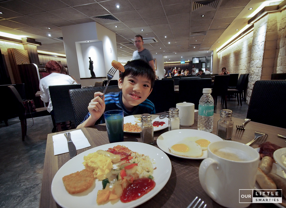Orchard Rendezvous Hotel Breakfast