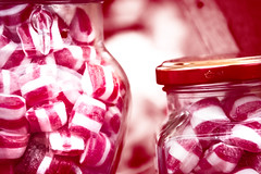 Polkagrisar i burk (red candy in a jar) (explore 2018-12-09)