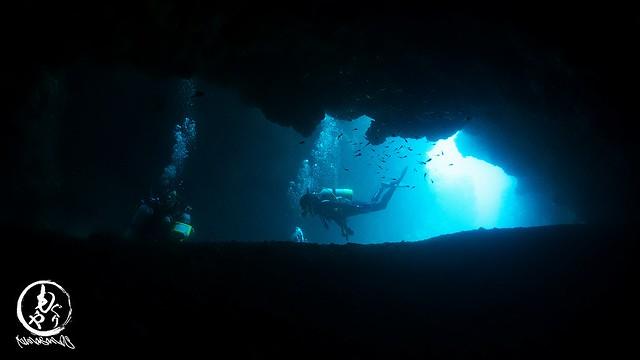 洞窟の入り口もきれい♪